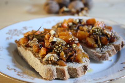 Pumpkin bruschetta with Tiuscan herbs